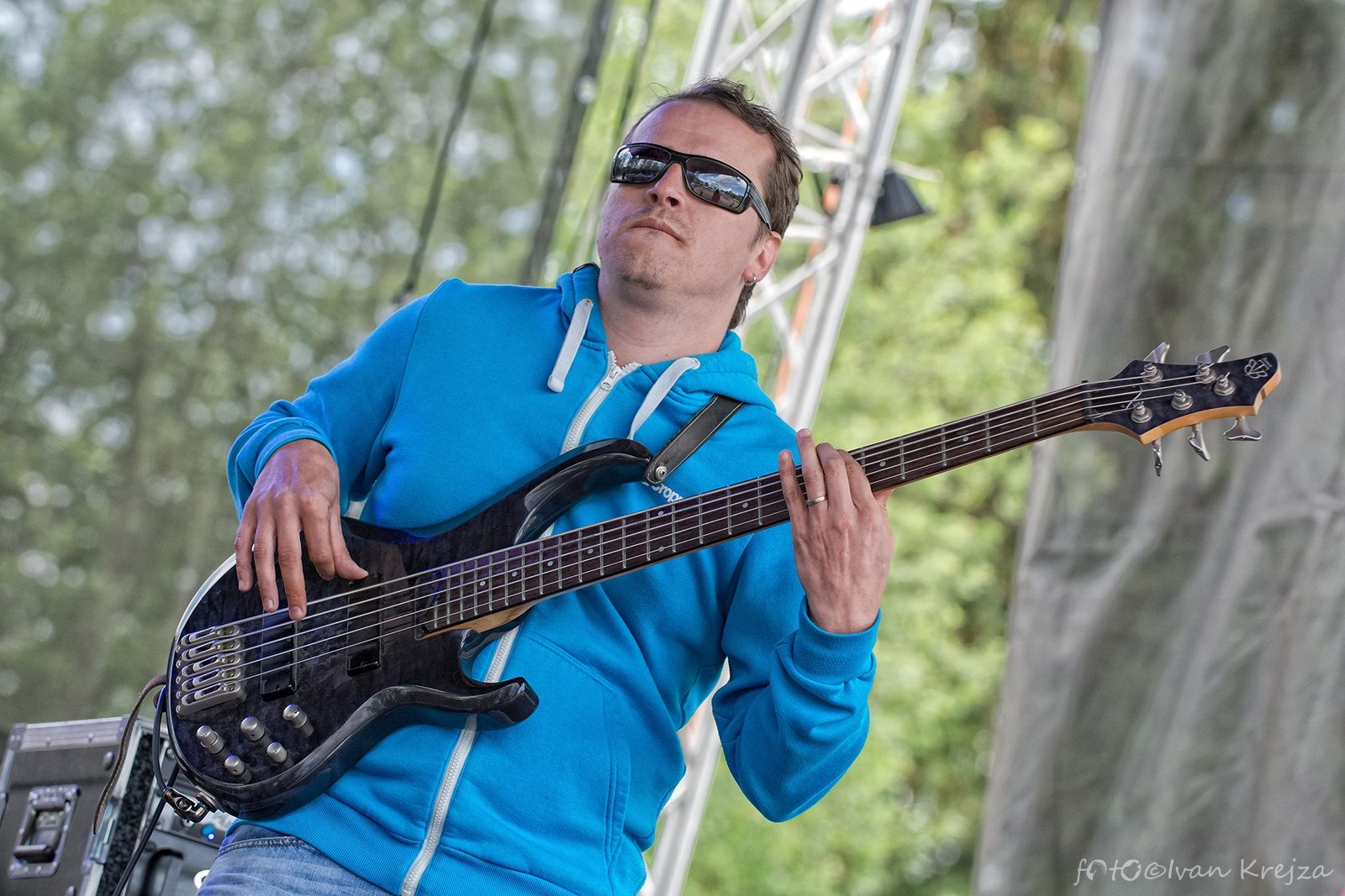 2015-06-20 - Hrebecsky Slunovrat 2015 - 05 (Gang Ala Basta) - Jan Somy Somolík