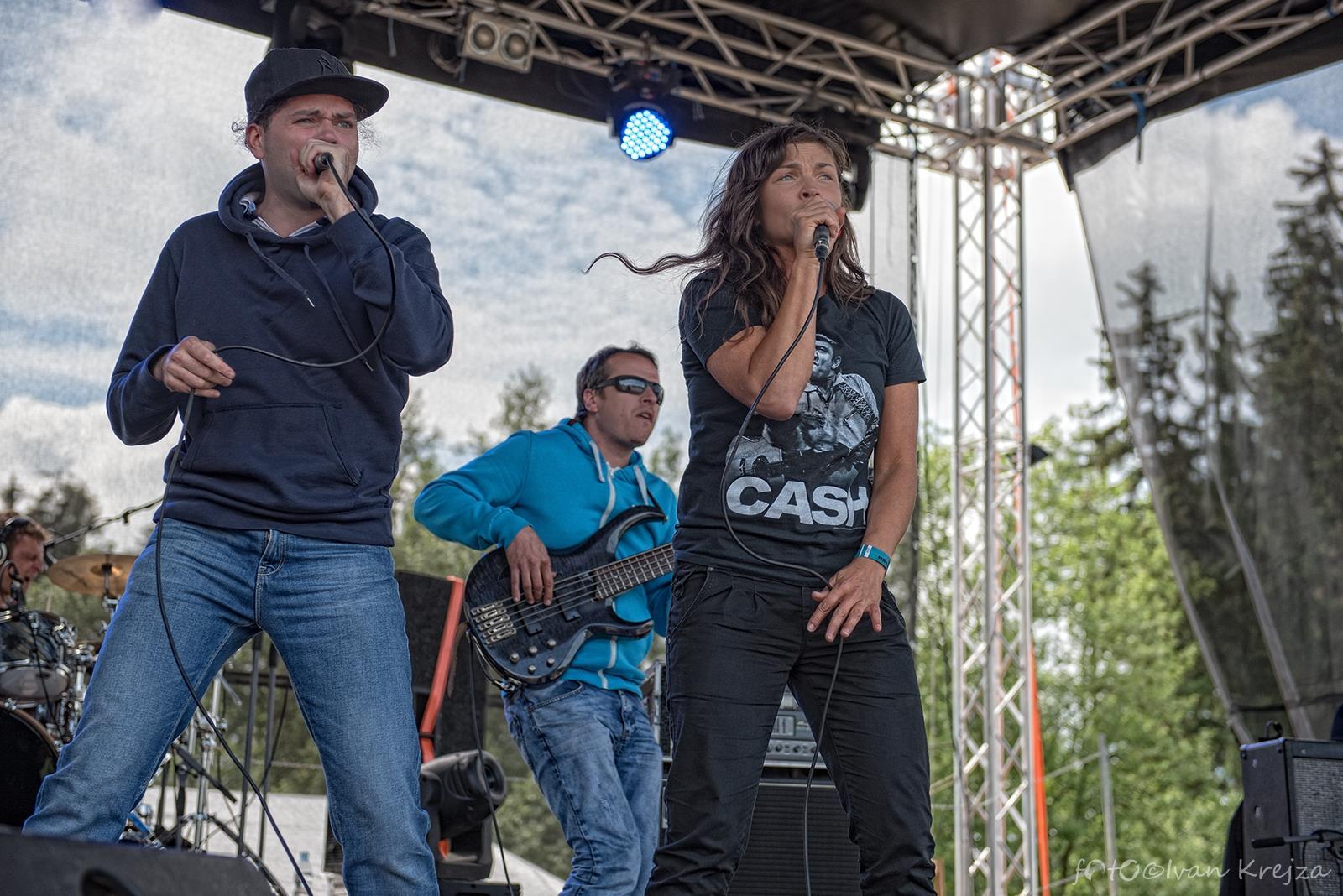 2015-06-20 - Hrebecsky Slunovrat 2015 - 17 (Gang Ala Basta) - Andrea Plíšková, Jan Somolík, Lukáš Máchal